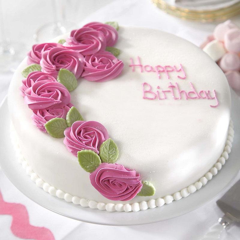 Strawberry and vanilla surprise cake