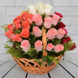 Round basket of mix roses