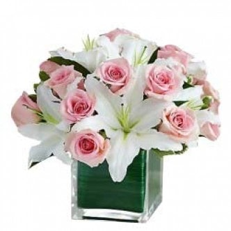 Cake of lilies n roses