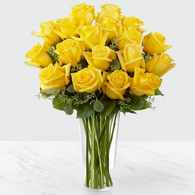 25 yellow roses in vase
