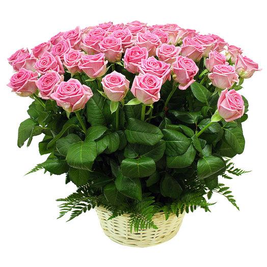 50 pink rose basket