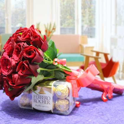Rose bunch with chocolate